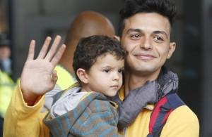 folla-a-monaco-applaude-i-migrantigermania-e-austria-aprono-le-frontiere_7aba2544-53e5-11e5-aa85-895d586fab36_700_455_big_story_linked_ima