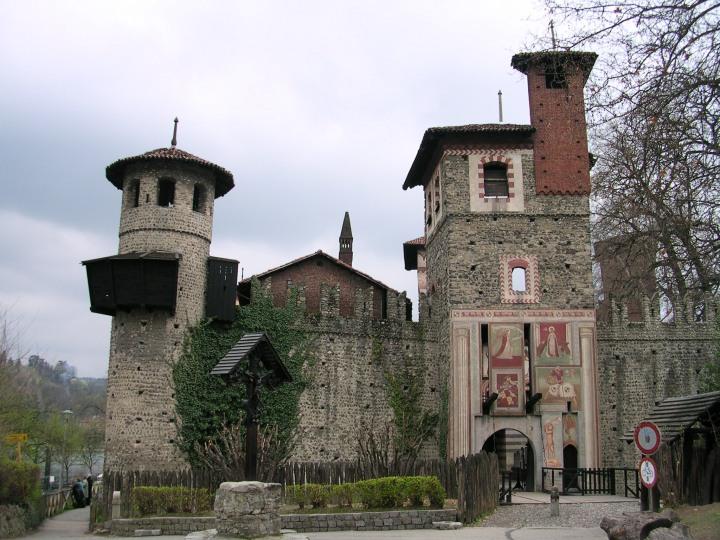 borgo_medievale_di_torino_785804090